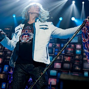Joe Elliott rocking International Guitar Design by ICJUK – Photo By Ross Halfin Photography