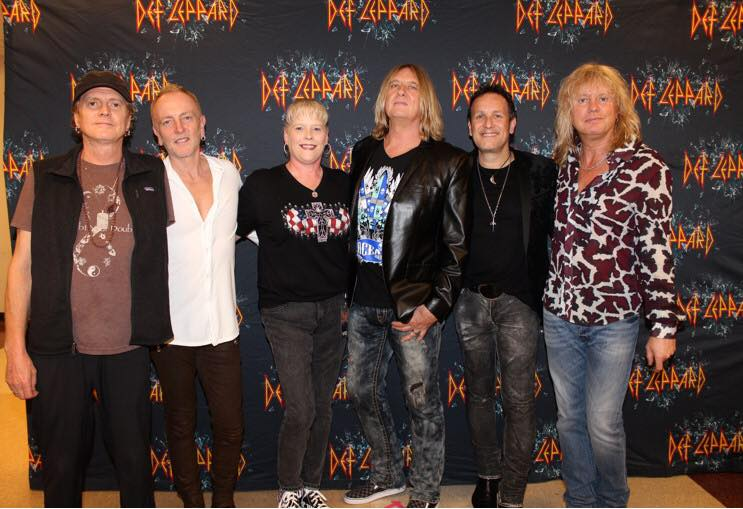 Def leppard meet greets with icjuk designs neva rocking her usa flag with cross and skull design and joe in the ocean anarchy m4hsunfo