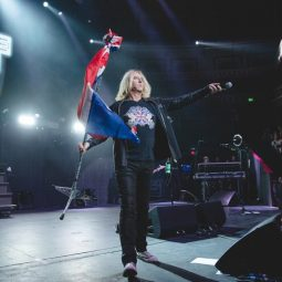 Joe Elliott rocked the Royal Albert Hall in ICJUK designs 2018