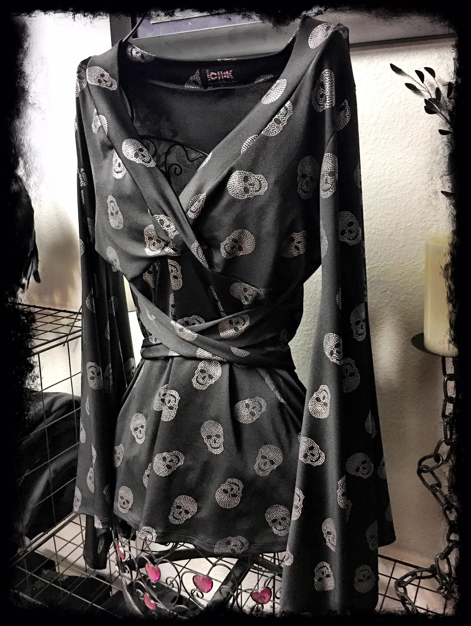 Black & Silver Skull top